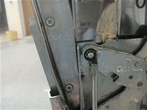 DI620 Door Hinge 2