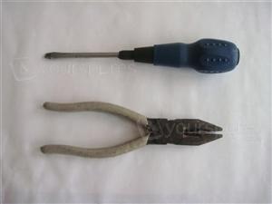 Flat screwdriver & pliers